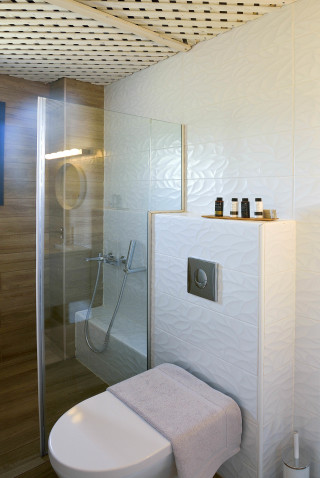 Upper Floor House Christin Calm houses shower